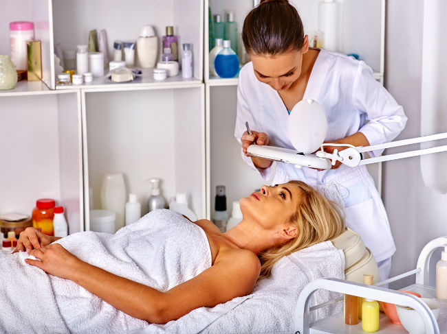 What Does an Esthetician Do?