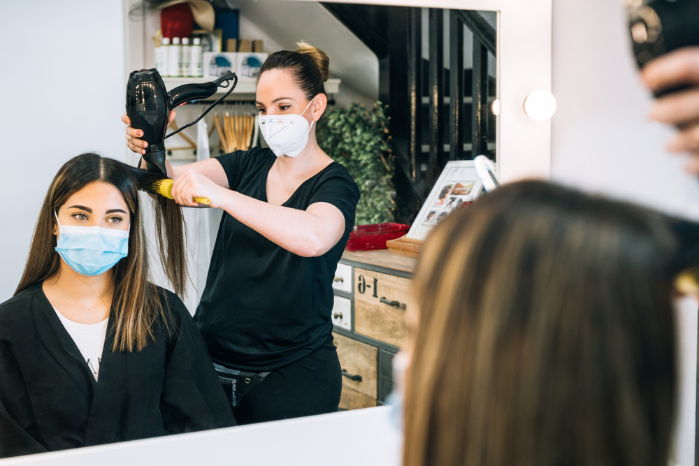 What's the Difference Between Cosmetology and Barbering?